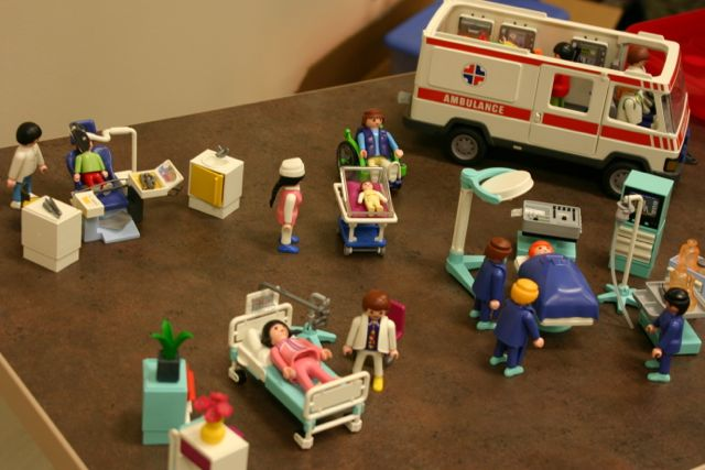 play-therapy-lego